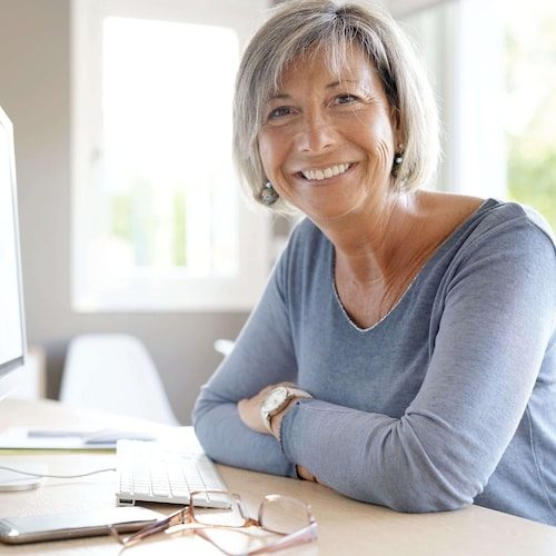 Unser Kundenservice hilft Ihnen sofort – Handy versichern bei Easy Insurance.