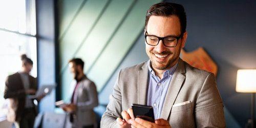 Ihre Firmengeräte sind mit der Firmenkunden Geräteversicherung von Easy Insurance bestens abgesichert.
