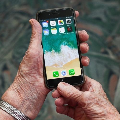 Senioren-Apps: Hilfreiche Smartphone Applikationen für Senioren – Ratgeber für Consumer-Elektronik